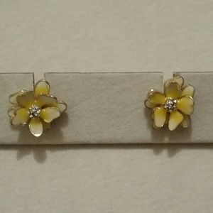 Jewelry - Floral Earrings